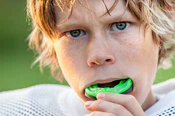 orthodontist Tampa FL mouthguard